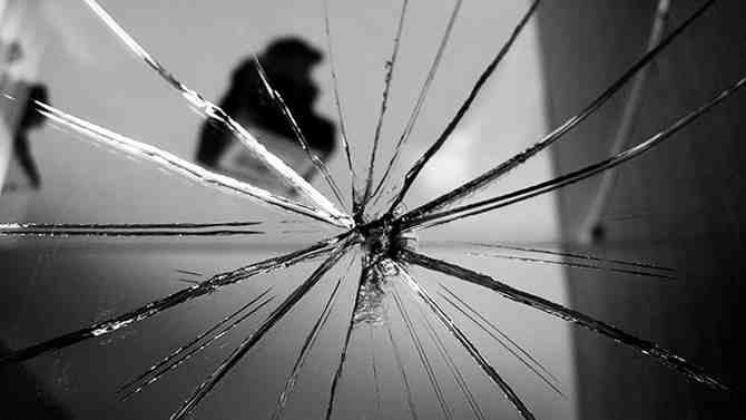 разбить зеркало примета