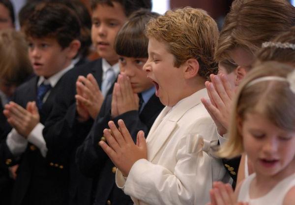 зеваю во время молитвы
