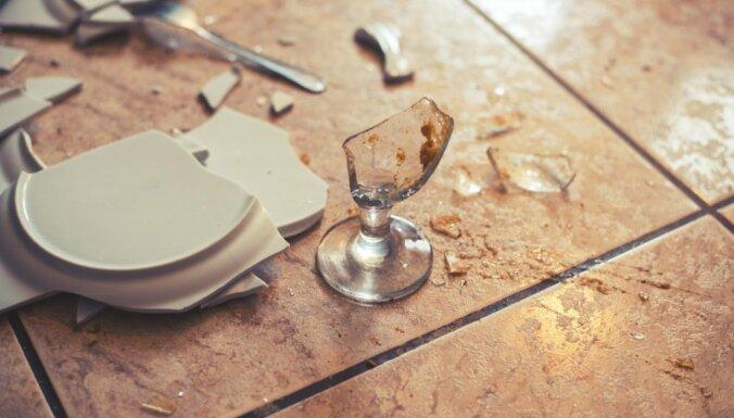 разбить тарелку примета