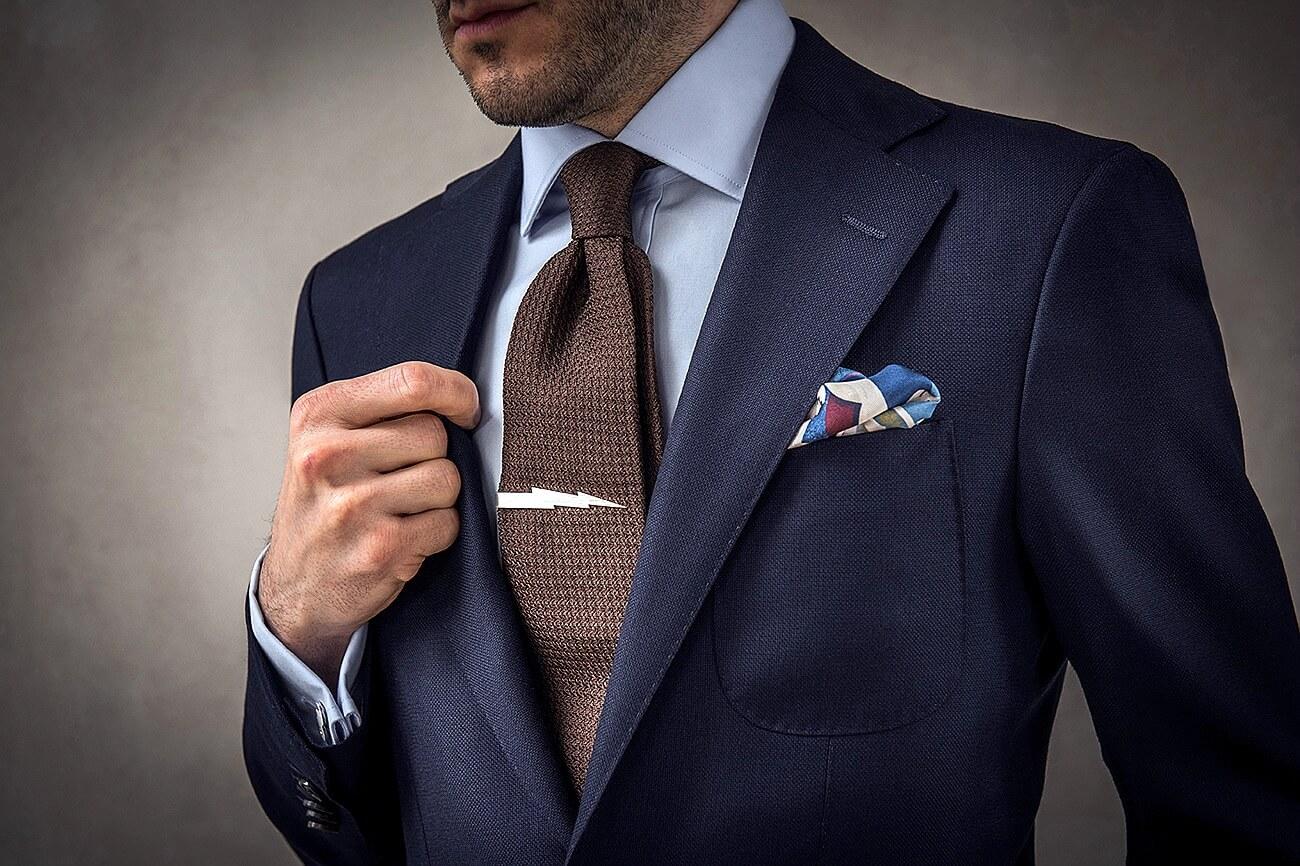 Приметы и поверья про галстук